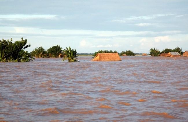 စစ်ကိုင်းတိုင်းတွင် ရေဘေးကြောင့် လူတစ်ဦး သေ၊ ၃၀၀ ကျော်ရွှေ့ပြောင်း (7Day Daily)