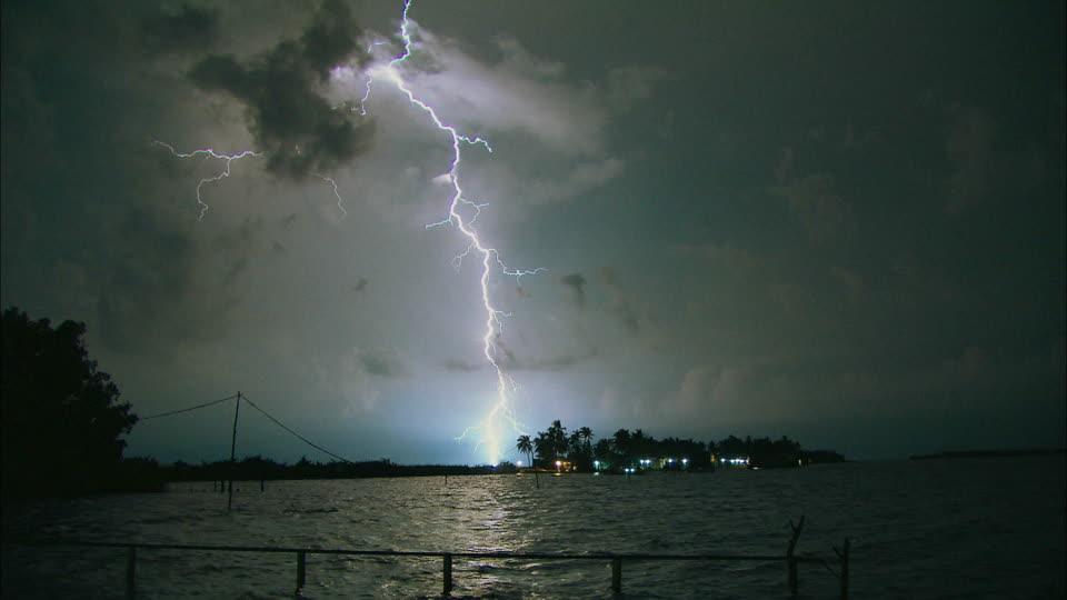 မုတ်သုံလေ မြန်မာနိုင်ငံသို့ စတင်ဝင်ရောက်၊ လေပြင်းနှင့် မိုးကြိုးအန္တရာယ် သတိပြုရန်လို